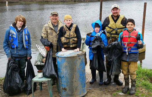 2015 River Cleanup Crew